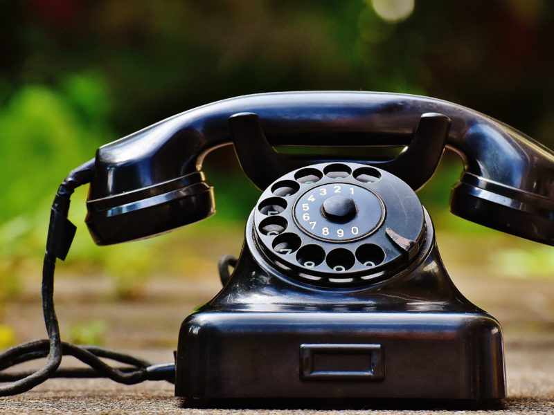 selective-focus-photography-of-black-rotary-phone-163007